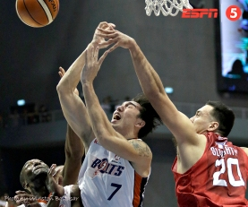 _S1A3420 Greg Slaughter blocks Cliff Hodge