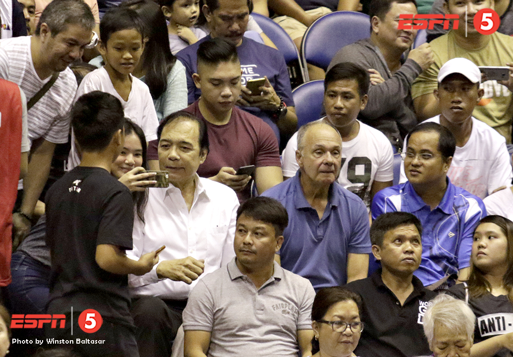_S1A8870 Basketball legend Bobby Jaworksi talks with fans while Toyota teammate Francis Arnaiz watches the game