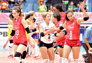 _S1A7539 Cignal's Jovelyn Gonzaga acknowledges an error
