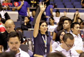 Sports5 boss Patricia Hizon signals at the end of the game