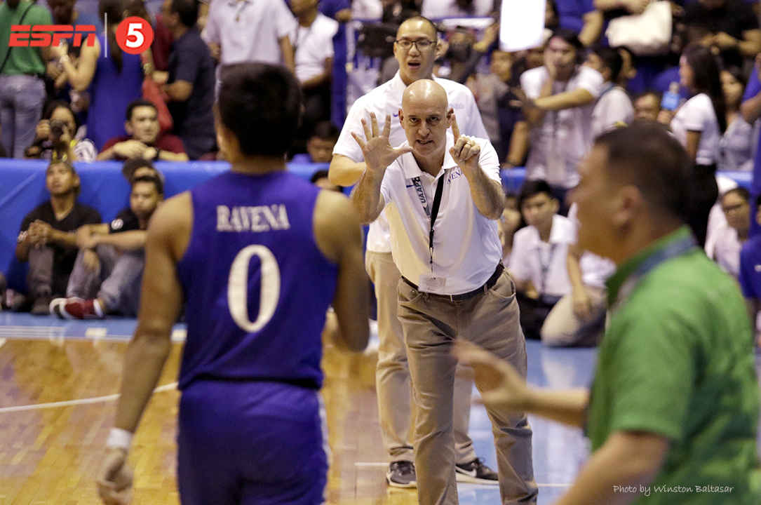 _S1A9342 Coach Tab Baldwin gives instructions to Thirdy Ravena