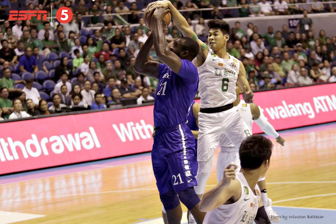 _S1A9361 Ricci Rivero blocks Chiz Ikeh's shot