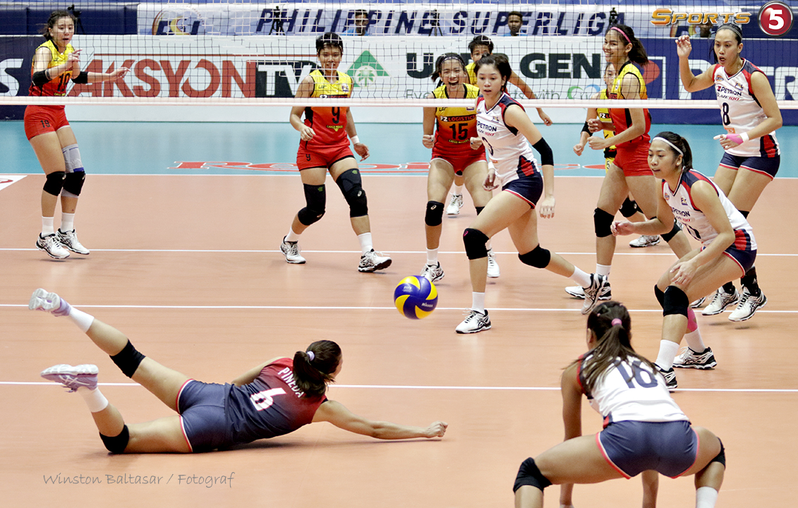 _S1A1630 Petron libero Bang Pineda with one of her spectacular saves